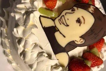 お誕生日に世界に1台の似顔絵ケーキを!!